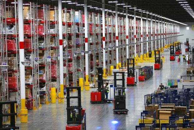 2020 Dünyanın En Değerli 10 Şirketi Amazon depo e1578604400451 Ajansara